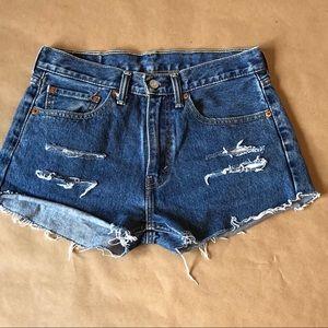 Vintage Levi's 505 Cut-off Denim Shorts - size 31